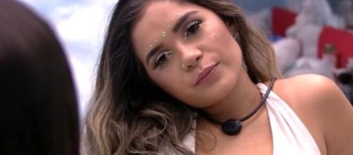 Gizelly conversa com sisters durante festa do líder. (Reprodução/TV Globo)