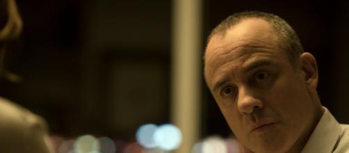 Javier Gutiérrez é o protagonista de 'A Casa'. (Reprodução/Netflix)