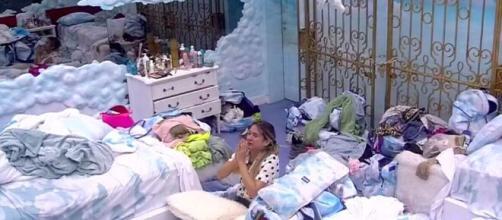 Gabi chora e implora permanência no 'BBB20'. (Reprodução/TV Globo)