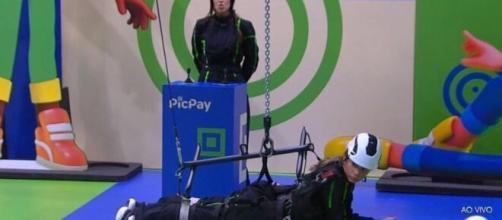 Ivy e Gizelly vencem a décima prova do líder. ( Reprodução/TV Globo )