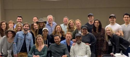 L'attrice Kim Raver ha svelato che la sedicesima stagione di Grey's Anatomy potrebbe proseguire oltre il ventunesimo episodio.