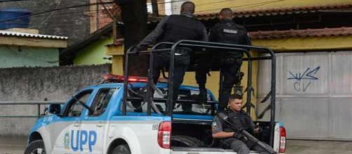 Moradores relatam intensos tiros durante operação da PM no Rio de Janeiro. (Arquivo Blasting News)