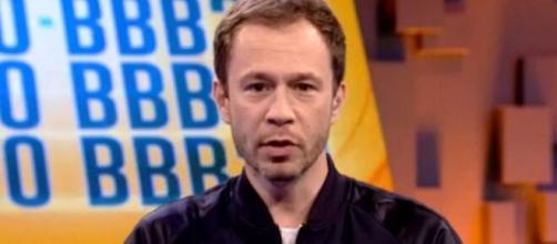 No programa de quinta (26), Tiago Leifert explicou como será a dinâmica para o décimo paredão do BBB20. ( Reprodução/TV Globo )