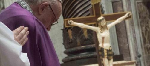 Papa Francesco impartirà questo pomeriggio la Benedizione Urbi et Orbi: la Penitenzieria concede l'indulgenza plenaria.
