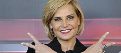 Simona Ventura contro Antonella Elia: 'Sa di essere molto cattiva e aggressiva'.