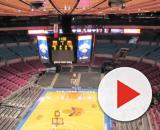 Image of Madison Square Garden set up for the Knicks. [image source: Andres Nieto Porras- Wikimedia Commons]