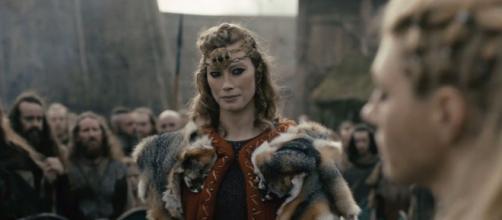 """Atores da 4ª temporada de """"Vikings"""" hoje em dia. (Reprodução/History)"""