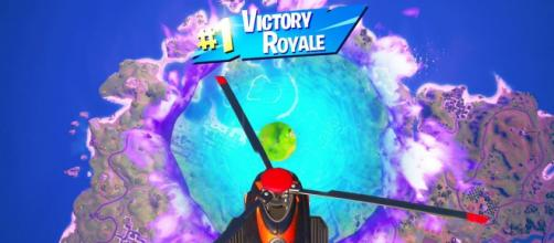 "New ""Fortnite"" glitch lets players get infinite victories. [Image Credit: Lazarbeam / YouTube]"