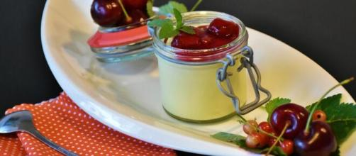 Vanilla pudding with cherries [Image Source: RitaE - Pixabay]