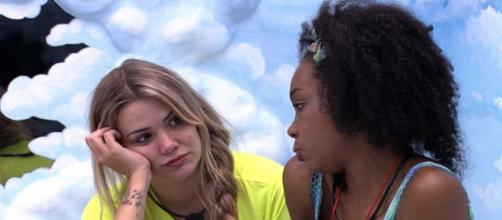 """""""BBB20"""": Thelma se junta com Marcela e diz:'A gente está conspirando mais que eles'. (Reprodução/TV Globo)"""