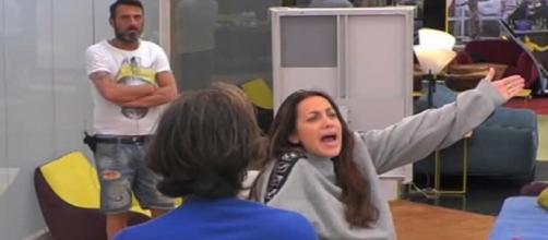 GF Vip 4, Teresanna Pugliese sbotta contro Antonio: 'Meno accanimento'.
