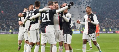 I giocatori della Juventus rinunciano a quattro mesi di stipendio.
