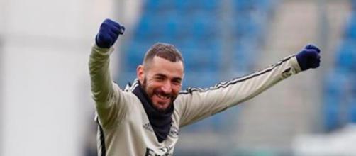 Karim Benzema répond aux questions des fans et se lâche dans un live Instagram. Credit : Instagram/ karimbenzema