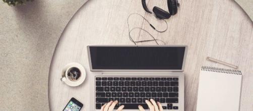 Trabajar desde casa es la nueva modalidad este 2020.