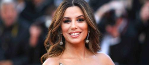 Eva Longoria Beautiful And Tanned: She Poses In A Superb Floral ... - codelist.biz