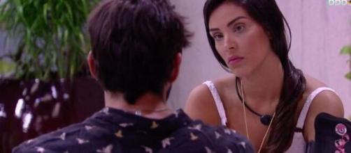 Ivy e Guilherme conversam depois do jogo da discórdia. (Reprodução/TV Globo)