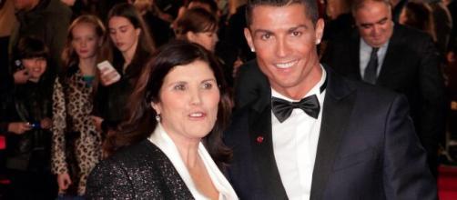 La mamma di Cristiano Ronaldo è stata colpita da un ictus