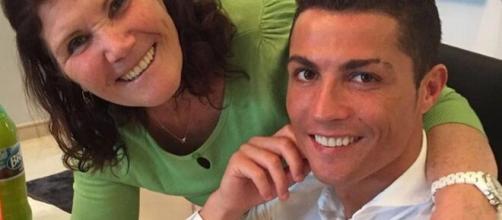 Mãe de Cristiano Ronaldo sofre AVC e inspira cuidados. (Arquivo Blasting News)