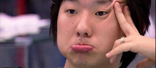 Pyong Lee conta para os participantes sobre o dia que hipnotizou Eliana. (Reprodução/ TV Globo)