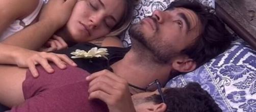 Victor Hugo acha que está vivendo um trisal com Guilherme Napolitano e Gabi Martins. (Reprodução/ TV Globo)