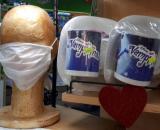 Las mascarillas contra el coronavirus se pueden comprar en sitios insólitos. (Foto de Nora Mazzini)