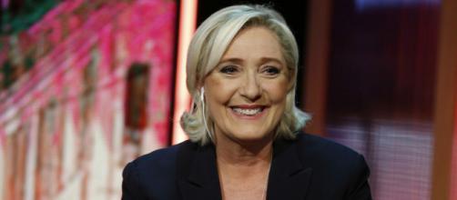 Marine Le Pen critica Macron sulla gestione dell'emergenza Covid-19 - foto di ilriformista.it