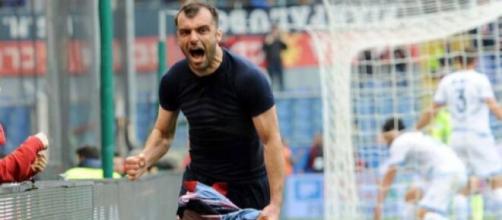 Goran Pandev, punta del Genoa.