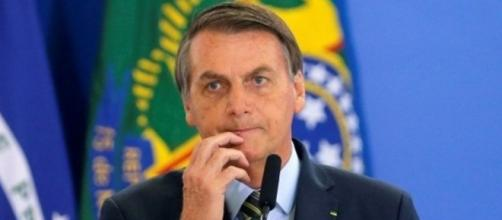 Jair Bolsonaro viola regras do estabelecidas pelo Twitter e tem posts removidos. (Arquivo Blasting News)