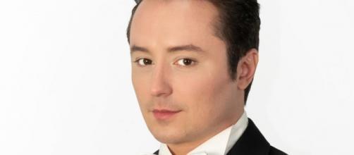 Matteo Macchioni, tenore, ha dovuto cancellare due tour europei a causa dell'emergenza Coronavirus
