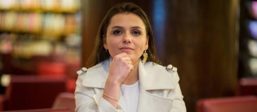 Monica Iozzi rebate críticas às suas fotos e fãs apoiam. (Arquivo Blasting News)