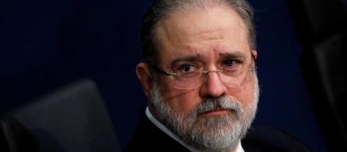 Augusto Aras admite que vai usar a justiça se for preciso, se Bolsonaro decretar o fim da quarentena (Arquivo: Blasting News)