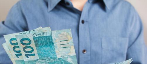 Auxílio de R$ 600 para trabalhadores é aprovado pelo Senado. (Arquivo Blasting News)