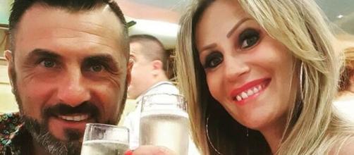 GF Vip, Ursula Bennardo contro i fan della Nunez: 'Si vince elogiando, non insultando'.