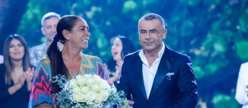 """Isabel Pantoja niega que tuviera que abandonar """"Supervivientes 2019"""" por motivos de salud"""
