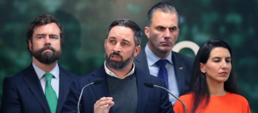 La extrema derecha española emerge con fuerza, ante la pandemia y sus devastadores efectos a nivel nacional. - nytimes.com