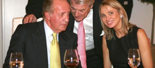 Juan Carlos I donó 65 millones de euros a Corina y a su hijo