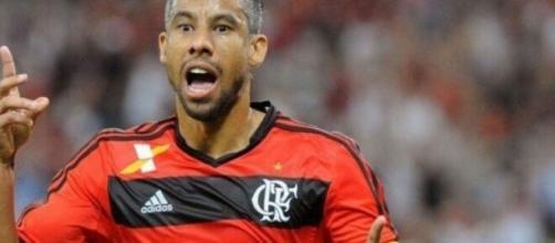 Léo Moura comemorando gol pelo Flamengo. (Gilvan de Souza/CR Flamengo)