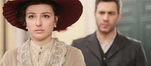 Una Vita, trame Spagna: Lucia apprende che Telmo non è il colpevole del suo furto.