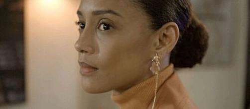 Vitória voltará a exercer sua profissão e ganhará processo contra shopping na novela. (Reprodução/TV Globo)