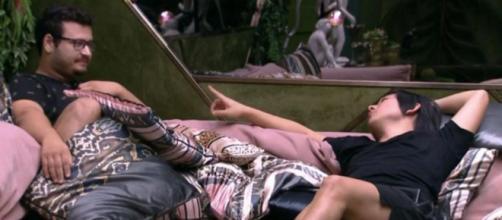 Pyong e Victor Hugo discutem relação: 'Vou evitar falar de jogo com você'. (Reprodução/TV Globo)