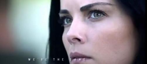 """Atriz principal da série """"Ponto Cego, Jane"""". (Reprodução/Netflix)"""