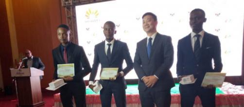 Les lauréats de Huawei ICT Academy 2020 (c) Huavei Cameroun