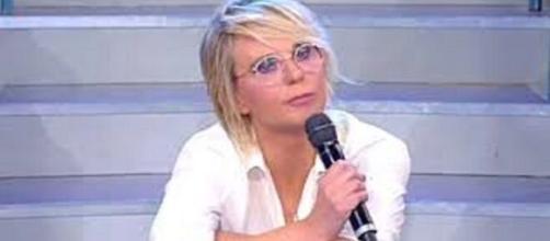 Uomini e Donne, puntata del 6 marzo, Maria De Filippi contro Armando: 'Smettila, hai rotto le scatole'