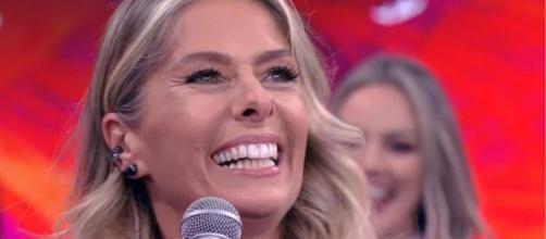 Adriane Galisteu fecha com Record TV. (Reprodução/TV Globo)