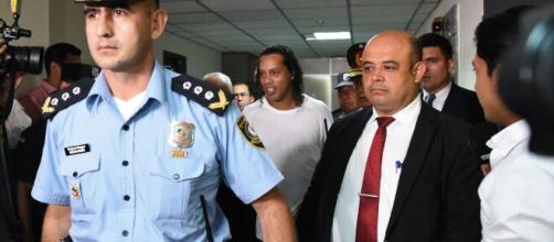 Ex-jogador da seleção brasileira Ronaldinho Gaúcho é detido. (Arquivo Blasting News)