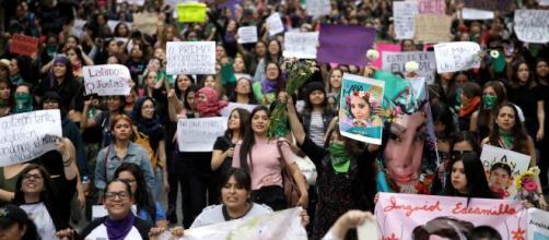 """El 9 de marzo será """"Un Día Sin Mujeres"""" en México, como señal de protesta. - nytimes.com"""