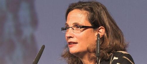 Ilaria Capua espone nuovamente le sue preoccupazioni sul coronavirus in un programma televisivo.