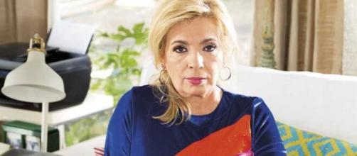 Carmen Borrego posa en su casa (Lecturas)