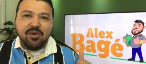 Jornalista declarou ser torcedor do Grêmio nesta segunda-feira (9). (Reprodução/YouTube)