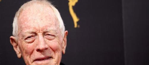 Morre Max von Sydow, ator de 'O Sétimo Selo' e 'Game of Thrones', aos 90 anos. (Arquivo Blasting News)